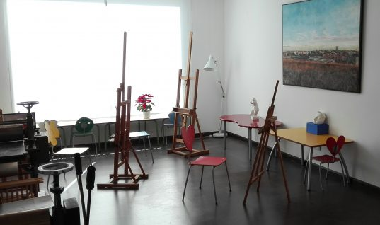 Painting and Drawing Classes for Adults and Children in Sotogrande